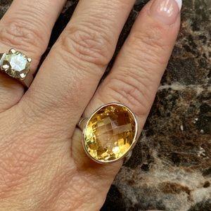 Jewelry - Bright yellow Oval Cut Quartz 925 Sterling Silver